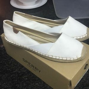 New, never worn white Sperry espadrilles ⛵️